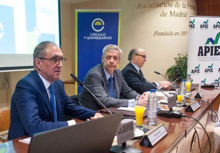 Jesús Prieto, presidente del grupo de trabajo de la Empresa Mediana, durante la presentación del Informe Anual de la Empresa Mediana Española.