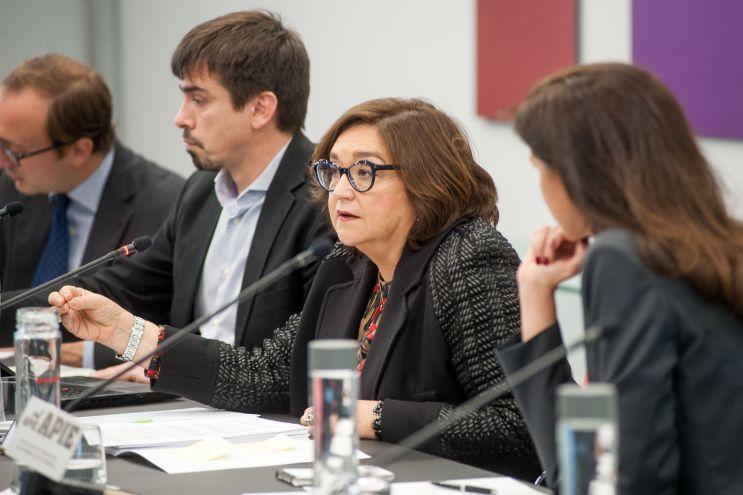 Marina Serrano González, Presidenta de AELEC, durante su intervención en la I Jornada del XXXII Curso de Economía para Periodistas organizado por APIE.