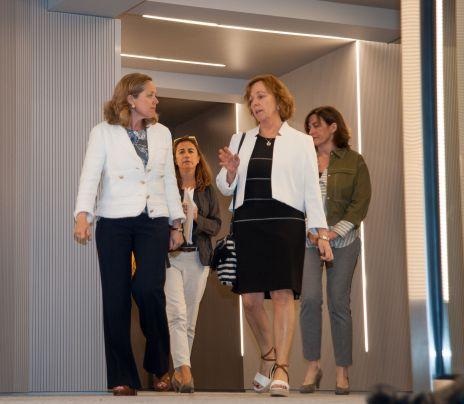 Nadia Calviño, Ministra de Economía y Empresa, a su llegada al almuerzo de prensa con que concluyó la tercera jornada del XXXII Curso de Economía organizado por APIE.