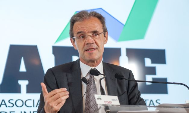 """Jordi Gual Solé: """"El negocio de la banca no es compartir los datos de sus clientes"""""""