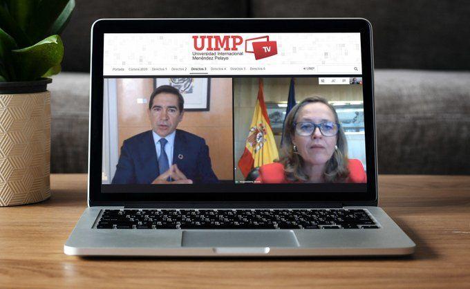 Nadia Calviño y Carlos Torres inauguran el curso 2020 de APIE en la Universidad Menéndez Pelayo