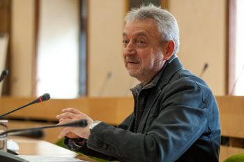 Carlos Pérez Tenorio, Presidente de Marcas de Restauración, durante el debate celebrado en las Jornadas de Economía organizadas por APIE en la Universidad de Alcalá de Henares.