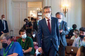 Pablo Hernández de Cos, Gobernador del Banco de España, a su llegada al curso de verano organizado por la APIE en la UIMP de Santander.