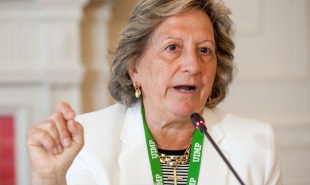 """Pilar González de Frutos: """"El futuro del seguro pasa por la colaboración público-privada"""""""