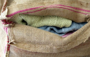coffee-_bean_bag_ottoman_apieceofrainbowblog (10)