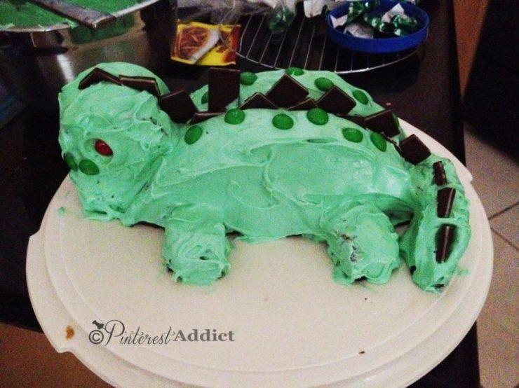 dinosaur birthday cake fail