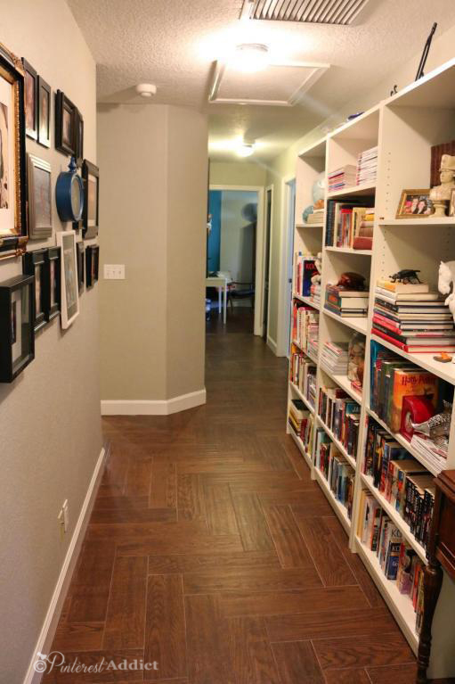 Hallway - picture gallery and library