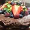 bolo, chocolate, aniversario, frutos vermelhos, ganache, chantilly