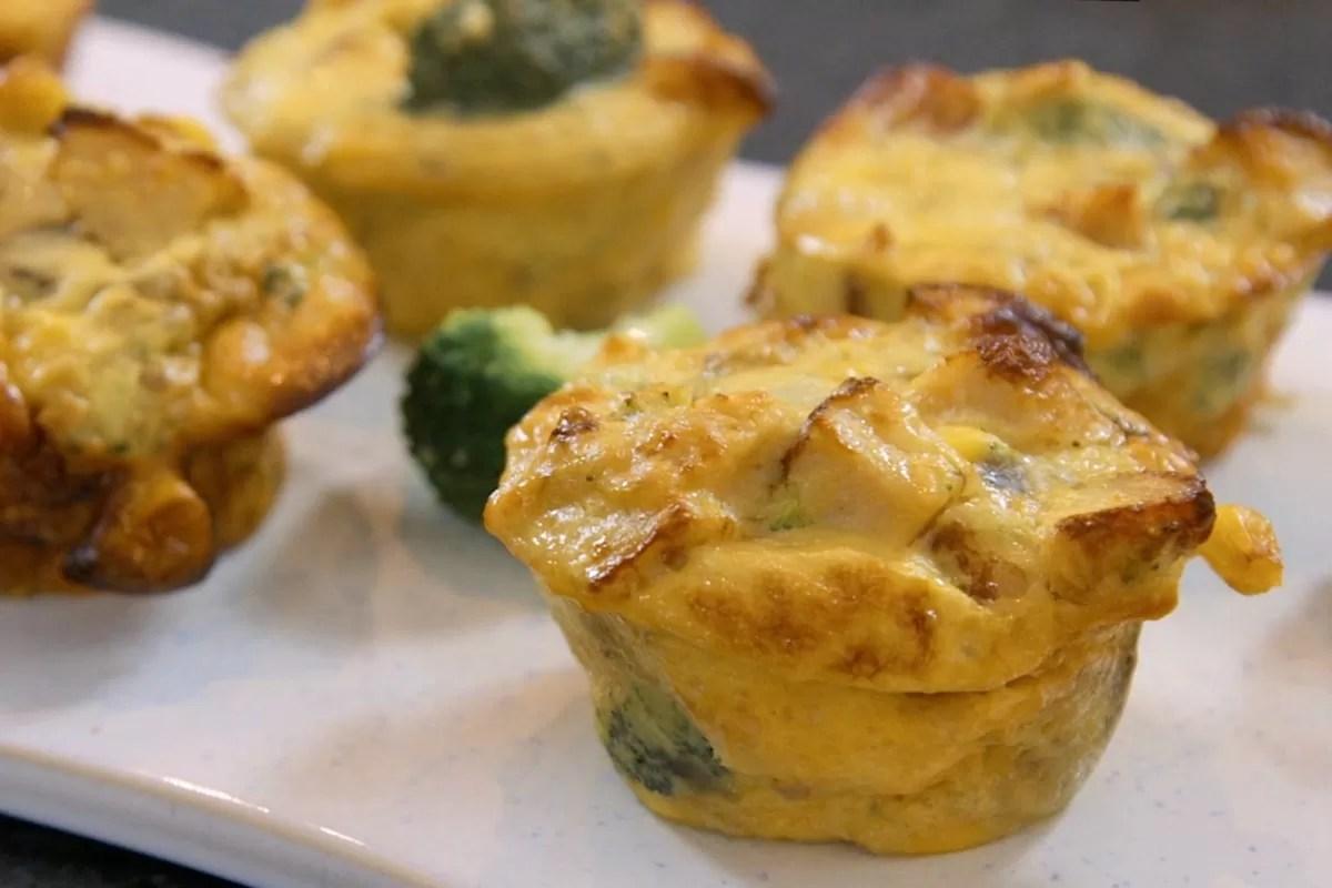 Muffins de frango e legumes