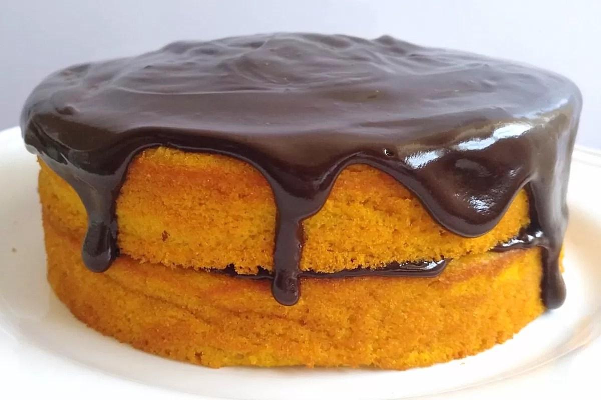 bolo de cenoura e laranja rápido