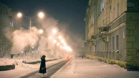 Η πόλη φάντασμα των… ζωντανών-νεκρών: Έχει πάντα κρύο και ο ήλιος δεν βγαίνει! (ΕΙΚΟΝΕΣ)