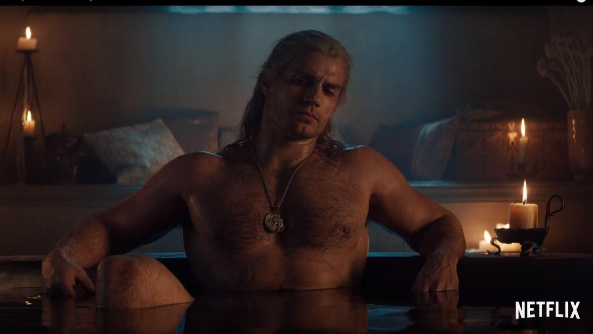 Henry Cavill a cena da banheira Witcher