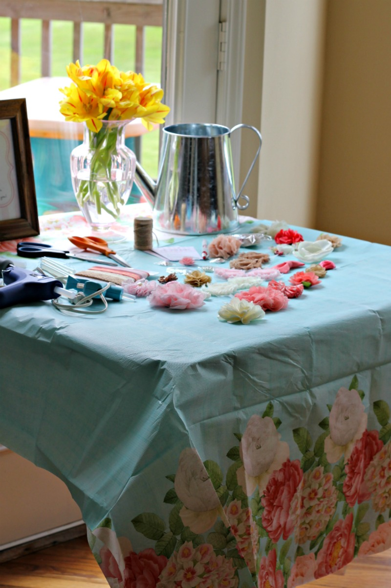 Garden Themed Baby Shower Activity #babyshoweractivity #babyshoweridea #babygirlbabyshower