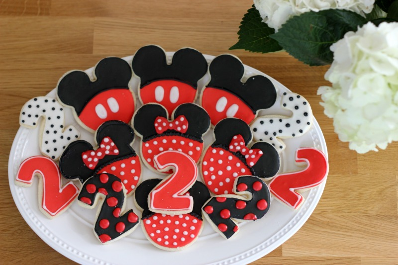 Mickey Mouse Birthday Party, Mickey Mouse Birthday Party Food, Mickey Mouse Cookies, Minnie Mouse Cookies, Second Birthday Party Cookies #sugarcookies #mickeycookies #minniemousecookies
