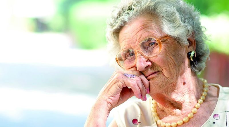 Diese Frau ist alt - wie alle in Acciaroli