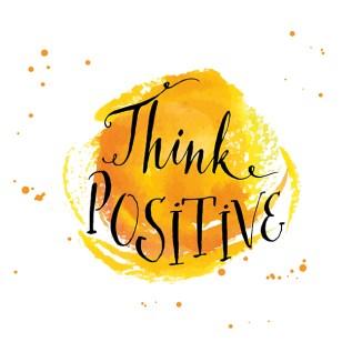 """Schriftzug """"think positive"""" vor gelbem Kleks. Tipps für schöne Haut"""