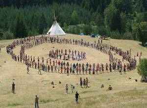 Rainbow Gathering prayer circle in Bosnia, 2007. Photo by Aljaz Zajc, CC BY-SA 3.0