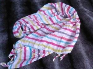 foulard-cache-cache.jpg