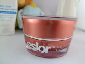 cream eslor