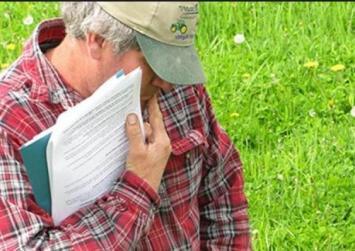 «Ψαλίδι» 60% στους συνταξιούχους αγρότες που συνεχίζουν να καλλιεργούν