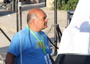 Μια πρόταση στους διοργανωτές του «ΜΑΤΑLA BEACH VOLLEY» για τον Μανώλη Κουμιανάκη