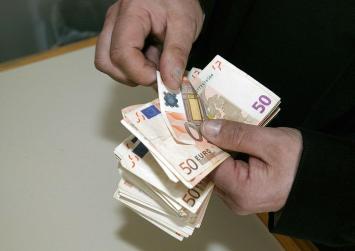 1,21 δισ. ευρώ φόροι πρέπει να πληρωθούν μέχρι τις 29 Ιουλίου