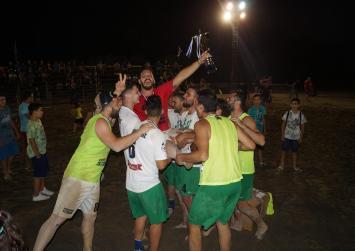 Οι τρελοί πανηγυρισμοί των νικητών του Beach soccer Τυμπακίου αμέσως μετά τη λήξη του τελικού