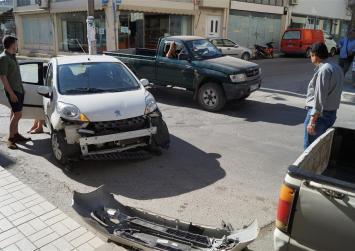 Τουρίστας δεν αντιλήφτηκε  το STOP και προκάλεσε τροχαίο!