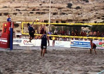 Μatala Beach Volley: Μια απίστευτη άμυνα από τον Μονιάκη! (βίντεο)