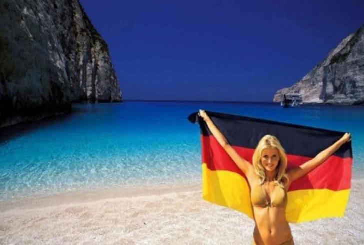 Γερμανοί οι «καλύτεροι τουρίστες» – Με μέση δαπάνη 614 € ανά επισκέπτη