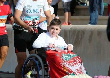Έτρεξε 10 χιλιόμετρα παρέα με το μαθητή του