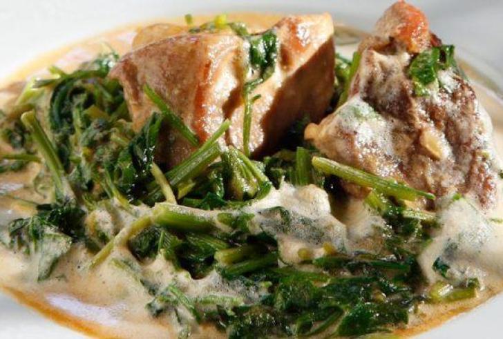 Μια φοβερή παραδοσιακή συνταγή: Χοιρινό με σέλινο
