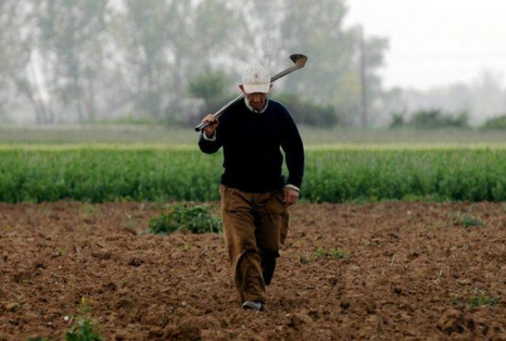 Το 100% της σύνταξής τους θα λαμβάνουν αγρότες που συνεχίζουν να καλλιεργούν