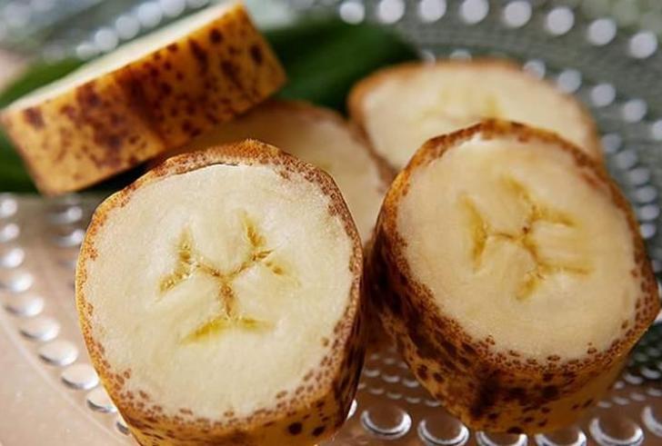Στην αγορά οι πρώτες μπανάνες με φλούδα που τρώγεται