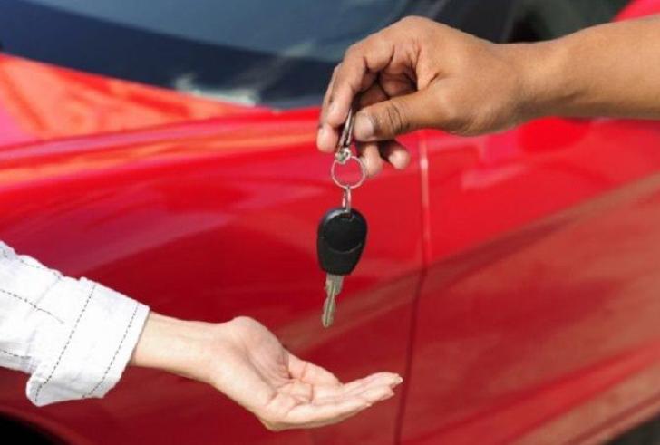 Επτά και όχι τρεις ημέρες θα έχουν οι νέοι αγοραστές για να ασφαλίσουν τα οχήματά τους