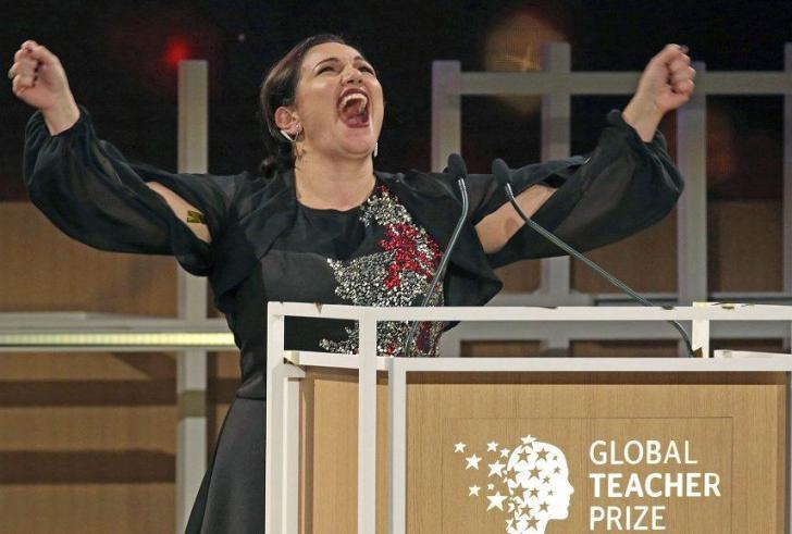 Η Άντρια Ζαφειράκου βραβεύτηκε ως η καλύτερη δασκάλα στον κόσμο!