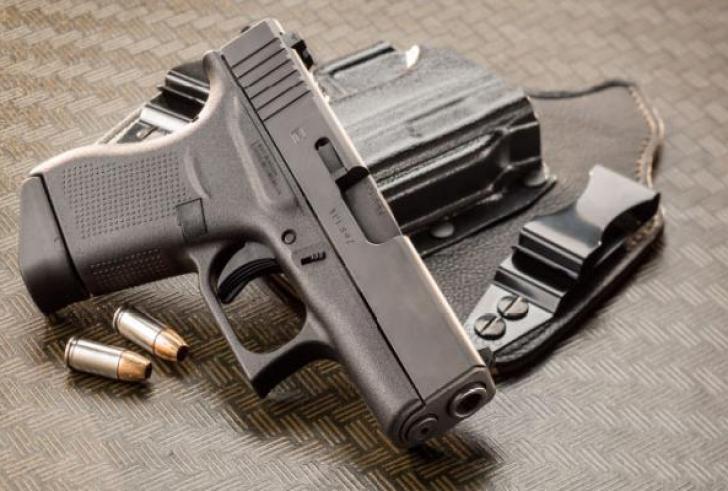 Ρέθυμνο: Το όπλο στο μαγαζί του, του πέρασε χειροπέδες!
