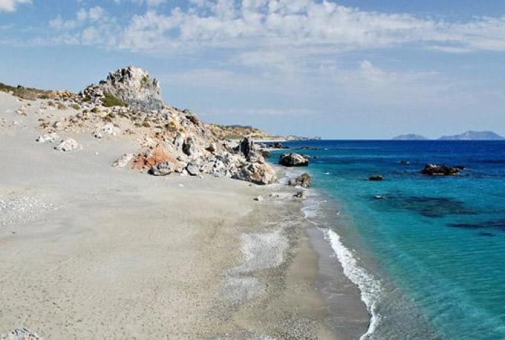 Οι πέντε μικρές παραλίες της Κεραμιανής Γιαλιάς του Δήμου Αγίου Βασιλέιου