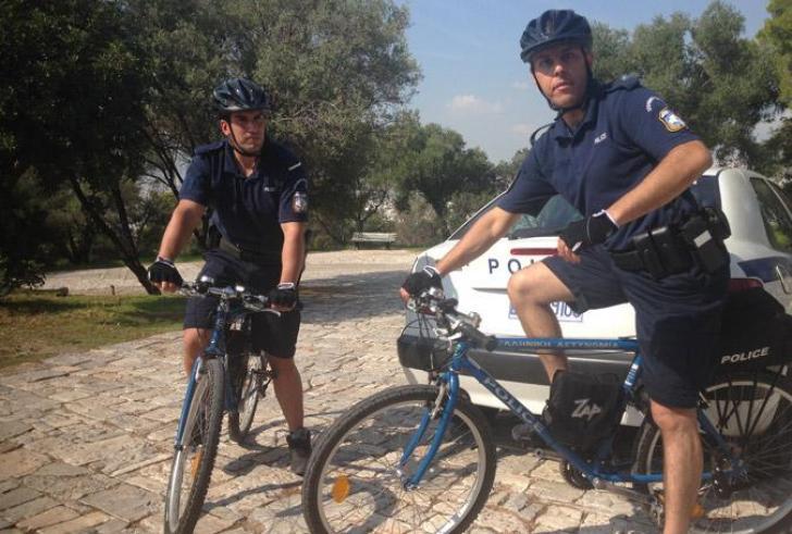 Ορθοπεταλιές από αστυνομικούς… και στην Κρήτη