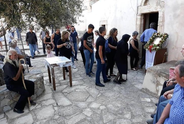 Προσκύνημα στον σπηλαιώδη Ναό της Παναγίας στη Βήθανο (φώτο)