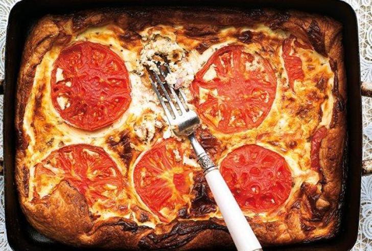Τάρτα με τυριά και ντομάτα