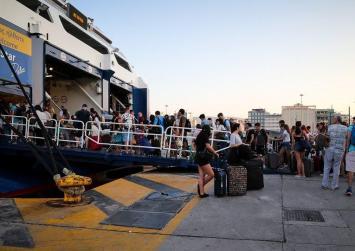 Πολύ Αυξημένη η κίνηση των εκδρομέων στα λιμάνια
