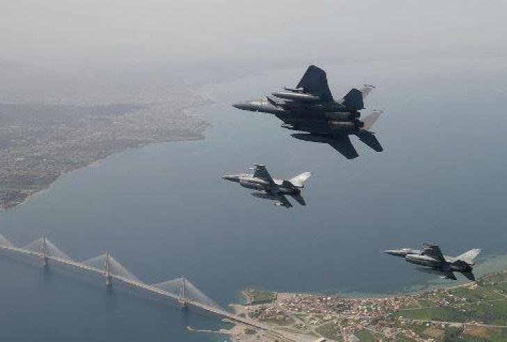 Handelsblatt: Οι ΗΠΑ ενισχύουν τη στρατιωτική τους παρουσία-Ενδιαφέρον για νέα βάση στο Τυμπάκι