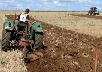 Εκπτώσεις φόρου για αγρότες κατ' επάγγελμα και έμμεσο αφορολόγητο