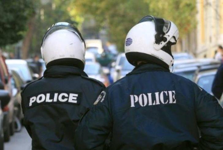 Σε διαθεσιμότητα ο αστυνομικός που βρέθηκε δεμένος και χτυπημένος από Πακιστανους
