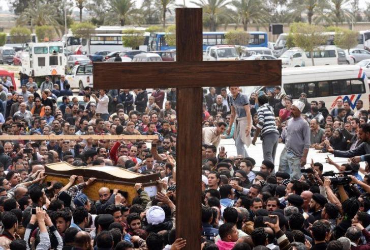 17 άτομα καταδικάστηκαν σε θάνατο για φονικές επιθέσεις σε εκκλησίες στην Αίγυπτο!