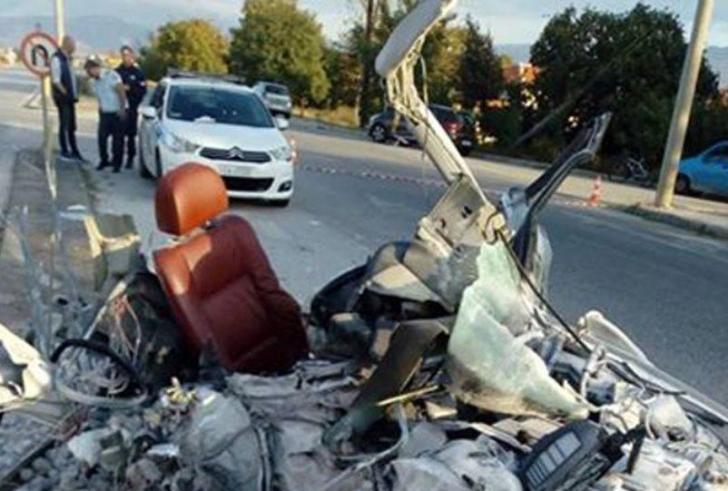 Συγκλονίζουν οι εικόνες του αυτοκίνητου μέσα στο οποίο έχασαν την ζωή τους οι δύο νέοι στην Δράμα
