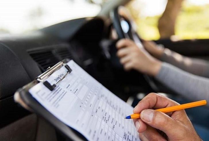 Ηράκλειο: Εξετάσεις για δίπλωμα οδήγησης και το Σάββατο – Αναμονή για 2.000 υποψηφίους