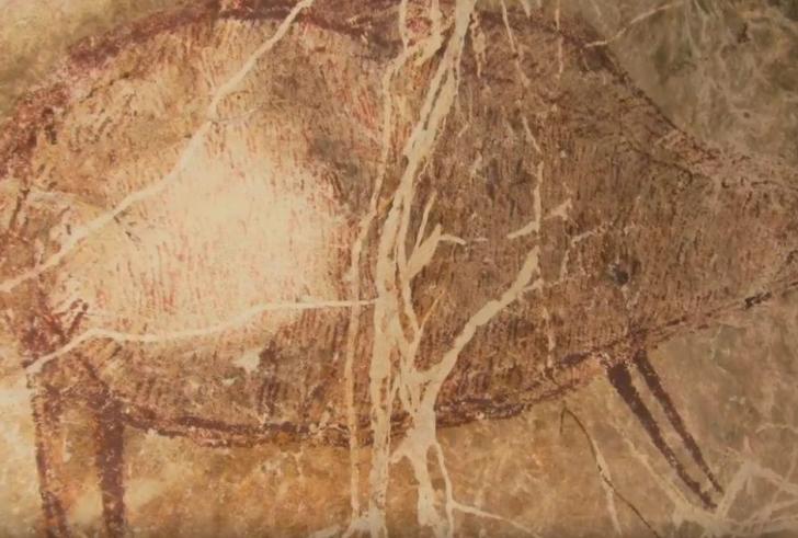 Ανακαλύφθηκε η αρχαιότερη σπηλαιογραφία στον κόσμο (βίντεο)