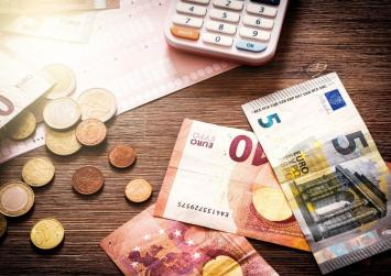 Κοινωνικό μέρισμα: Σήμερα και αύριο η καταβολή των 700 ευρώ